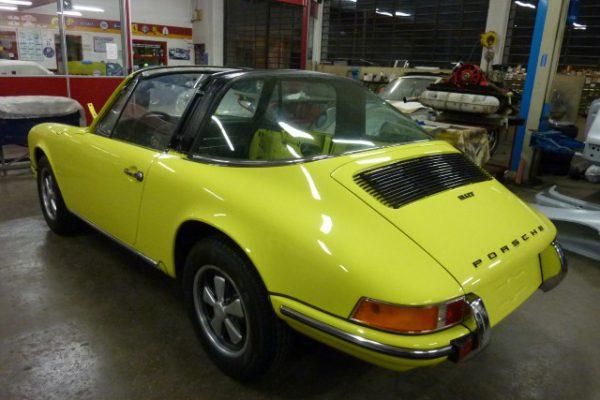 Porsche-911-2.4-T-Targa-28