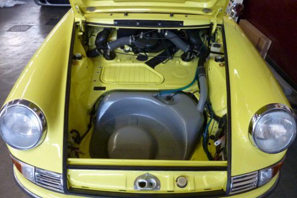 Porsche-911-2.4-T-Targa-31