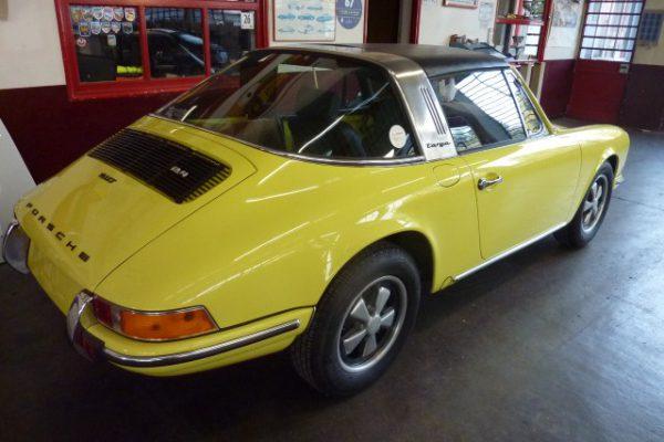 Porsche-911-2.4-T-Targa-34
