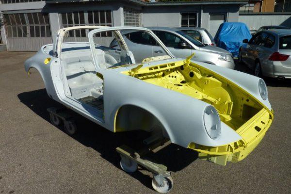 Porsche-911-2.4-T-Targa-8