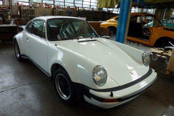 Porsche-Turbo-3.0-1975-60
