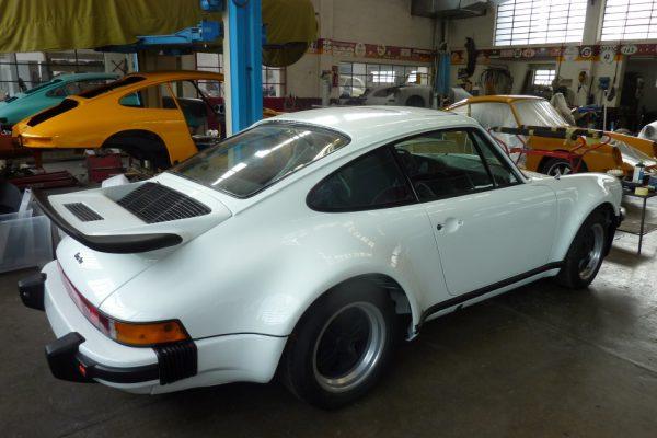 Porsche-Turbo-3.0-1975-61