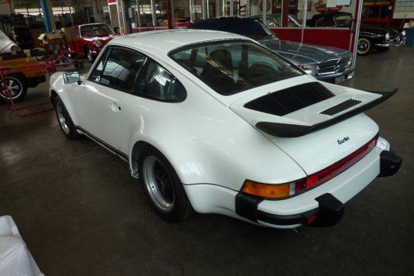 Porsche-Turbo-3.0-1975-62