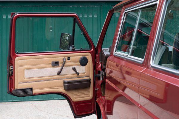 Volkswagen T3 Caravelle_1992_Cdg (33)