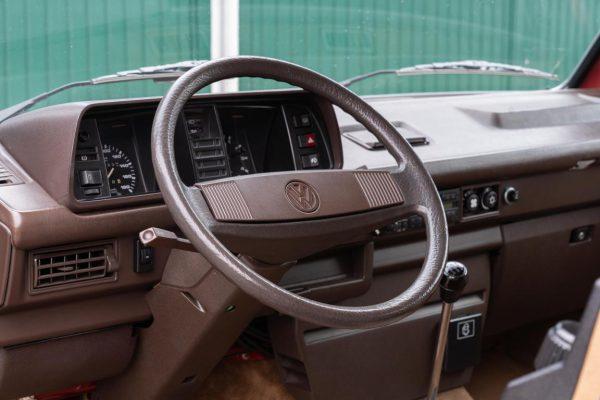 Volkswagen T3 Caravelle_1992_Cdg (41)