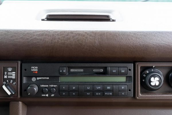 Volkswagen T3 Caravelle_1992_Cdg (45)