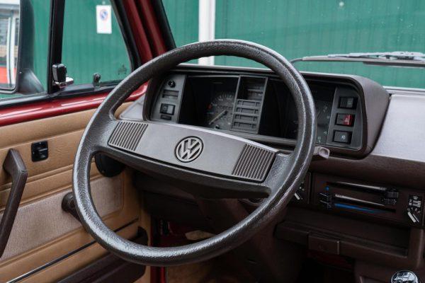 Volkswagen T3 Caravelle_1992_Cdg (48)