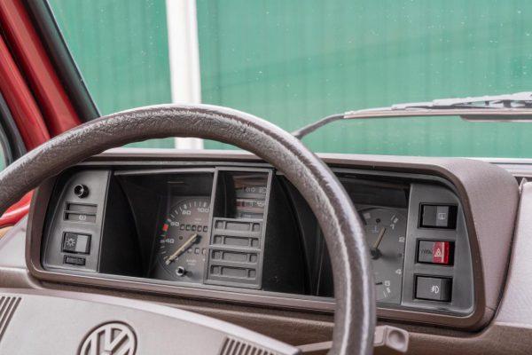 Volkswagen T3 Caravelle_1992_Cdg (51)