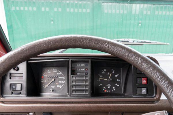 Volkswagen T3 Caravelle_1992_Cdg (54)