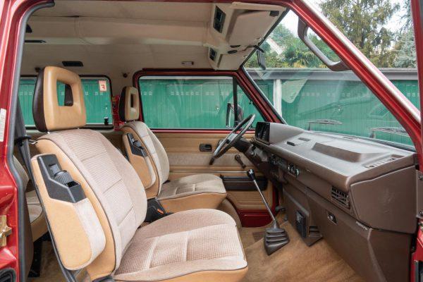 Volkswagen T3 Caravelle_1992_Cdg (63)
